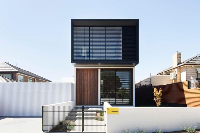 Black Aluminium Venetian Blinds Create Gorgeous Modern Home